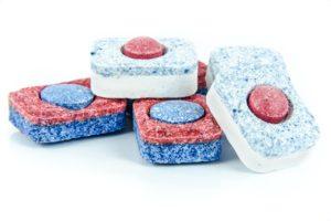 Tabs oder Pulver für Geschirrspüler
